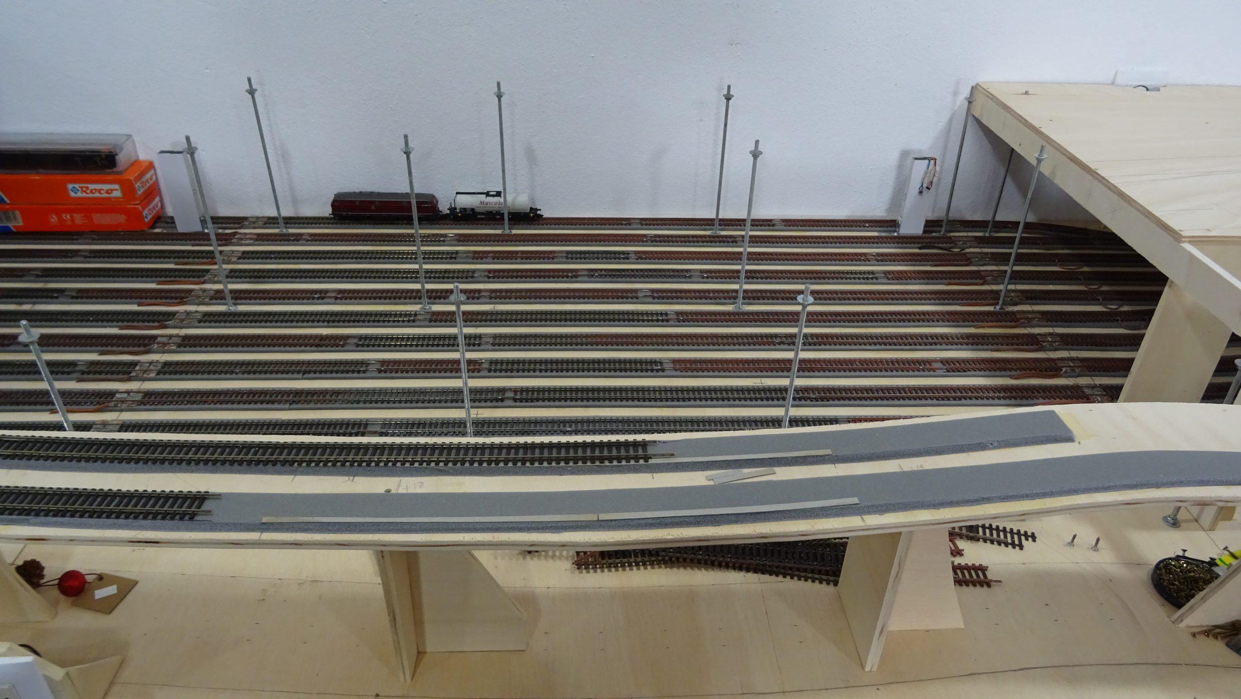 Estructura de la parte superior del modulo 1 de la maqueta de trenes